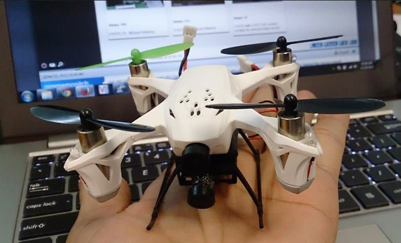 Hubsan X4 170D in palm of hand